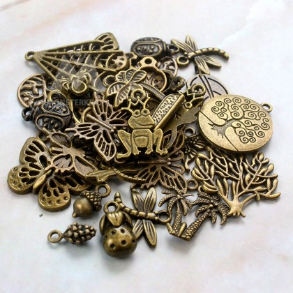 Charms Insect and Plant Series Random Mix, Butterfly Leaf Flora Tree Bug, Antique Brass-Plated Pewter 50grams /pack